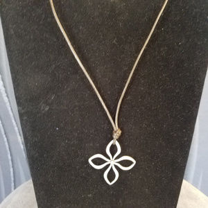 FOSSIL Silver flower necklace with leather cord